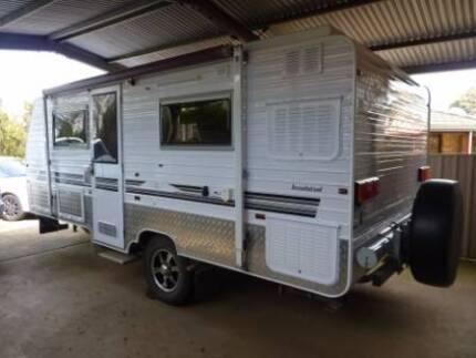 Evernew offroad poptop caravan