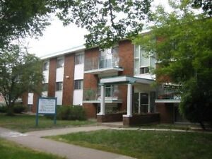 *INCENTIVES* 1 Bdrm w/ Balcony in Oliver Area Adult Bldg ~ 2