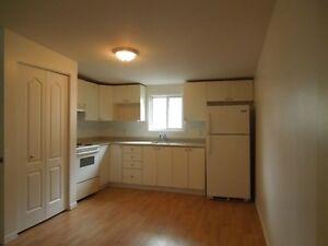96 Garneau - 1 chambre  (secteur  Hull) libre