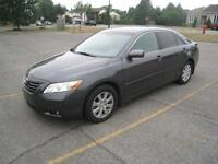 2009 TOYOTA CAMRY XLE - FULLY LOADED - LEATHER - LOW MILEAGE