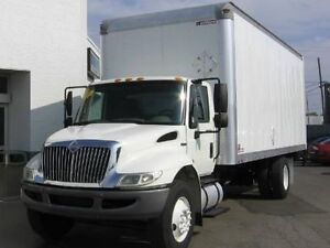 2009 International Maxforce Straight box truck 24 ft ONLY $25000