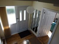 Lovely sunny 3-bed detached House on Oldbury Court Road