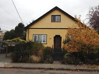 Three Bedroom 2 BA Character House- Lawn care Inc.- Small Pet OK