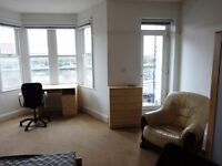 Double Room (with balcony), friendly Prof. spacious House, Hotwells:Rent incl.C/Tx, TvL
