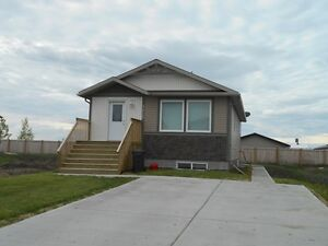 #3708 FURNISHED 2 Bed Lower in Clairmont! Utilities Included!