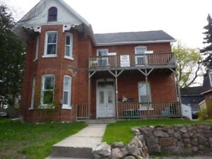 Very Large 2 Bedroom in Downtown Barrie!