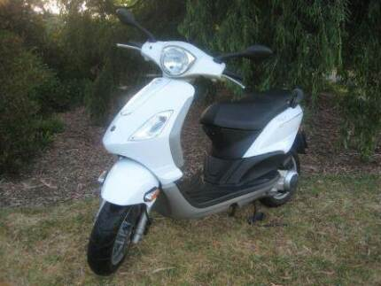 Piaggio Fly 150 (uses Vespa engine/trans. - same manufacturer) Vale Park Walkerville Area Preview