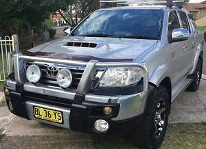 2011 Toyota Hilux SR5 4x4 Ute,Turbo Diesel,11 Month Rego,GPS,Log Green Valley Liverpool Area Preview