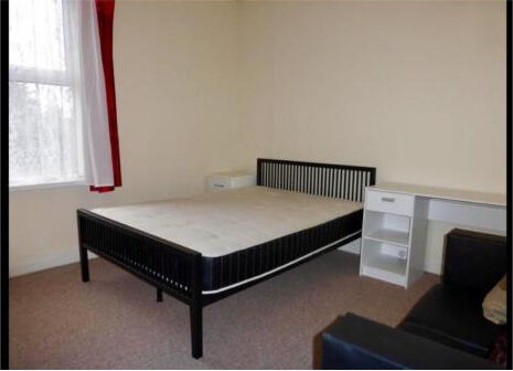 £150 off 1st Month rent *No Fees*Central location*EXCEL 3large doublebed house, FULLY FURNISHED*