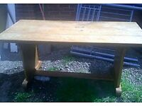 Quality very solid oak dining table 5ft 6 inch x 2 ft 6 inches