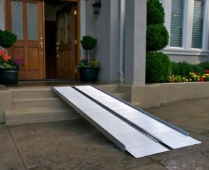 wheelchair RAMP -- rampe pour fauteuil roulant