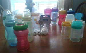 Bundle of baby & toddler bottles sippy cups nipples retailed $90