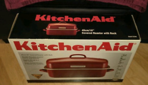 BRAND NEW KITCHEN AID  18 INCH COVERED ROASTER WITH RACK
