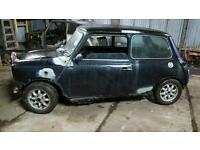 Classic mini parts,mini breaking,alloys,seats,exhaust,hif44,boot,bonnet,doors,lcb,radiator,trailer