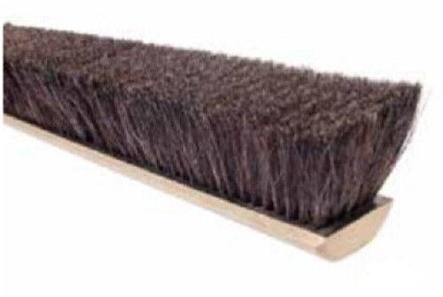 "Magnolia Brush #818 18"" Grey Horsehair & Tampico Mix Push Broom Head"
