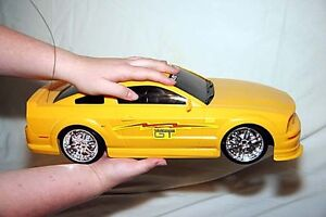 1:10 scale remote control Mustang Kingston Kingston Area image 1