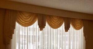 Valence curtain window topper