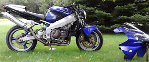 Motorcycle Kawasaki Ninga zx9r Blu/Purp Metalic for Sale Peterborough Peterborough Area image 3
