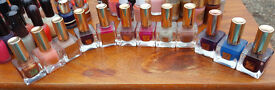 Estee Lauder Nail Polishes - 16 x Discontinued Shades - Impossible to find!