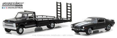 Greenlight 1:64 1970 Chevrolet C30 Ramp Truck 71 Camaro Z28 (Hobby Exclusive)
