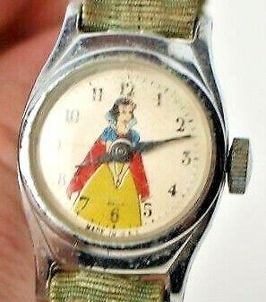 VINTAGE DISNEY Snow White WATCH, US TIME, Broken Strap Wind Up Timex Working