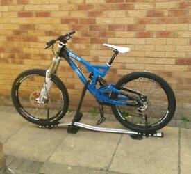 M9 solid dh bike
