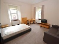 Large double room for single occupancy, Oban town centre