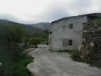 Spanish house in serria national park needs renovating, great location , water well small river