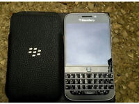 BRAND NEW BLACKBERRY CLASSIC Q20 UNLOCKED TO ALL NETWORKS WITH BLACKBERRY POUCH