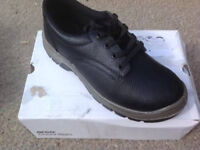 Arco Anti-static Safety Shoes (size 9)