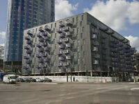 *Stratford Halo* 3 bedroom Stratford furnished close to station furnished with stunning views