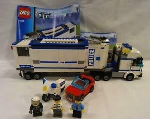 LEGO City set 7228 Mobile Police Unit