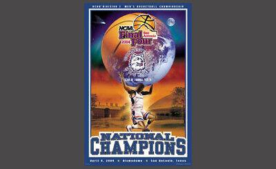 2004 Ncaa Basketball Champions - UConn Connecticut Huskies 2004 NCAA BASKETBALL NATIONAL CHAMPIONS Poster