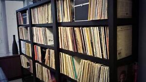 Vinyl Records, 20,000 selections,18,000 at 2.50$ & 2,000 at 5$+
