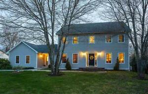 Stunning Fox Hollow home with in-law or wet bar!