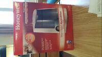 [95%New] Honeywell Warm Moisture Humidifier (3.8 Litres) [WHITE]