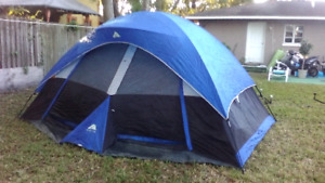 6 Person Ozark Trail Dome Tent with 3 sleeping bags