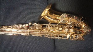 Selmer with professional key alto