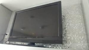 32' DYNEX LCD HD 720P TV