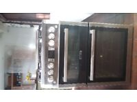Double oven, 4 hob gas cooker