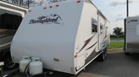 2007 PALOMINO THOROUGHBRED 25FBSL - GREAT FOR ANY COUPLE!