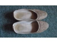 Moroccan leather shoes size small 7