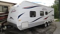 2011 JAYCO JAY FLIGHT 22FB - Perfect Towable for a Couple