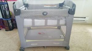 Graco Crib with carry bag