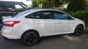 2012 Ford Focus Titanium *NEED TO SELL*