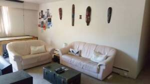 5 mins to SFU. Furnished, roomate for the summer