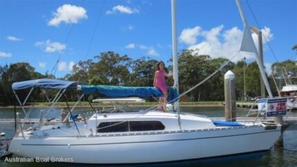24 Hutton sailboat  AU $9,990 Marmong Point Lake Macquarie Area Preview
