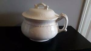 Chamber pot with lid Antique looking $10
