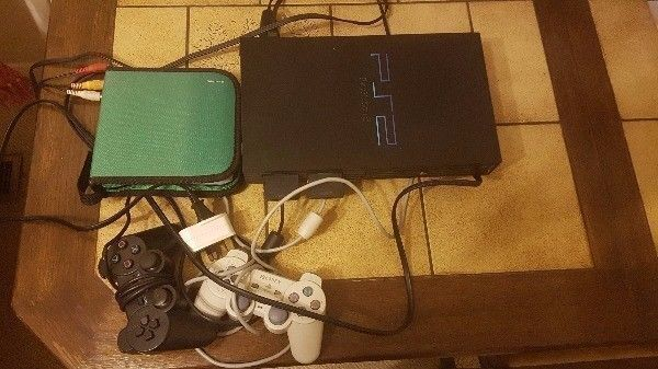 **SONY**PLAYSTATION 2 **ALL CABLES**2 CONTROLLERS**2 MEMORY