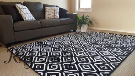 NEW!!!! Black Diamonds Pattern Rug